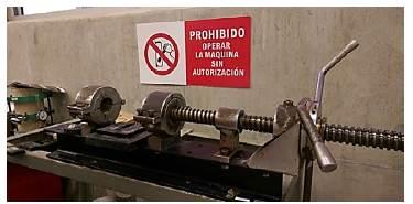 Máquina utilizada para sacar las briquetas del molde