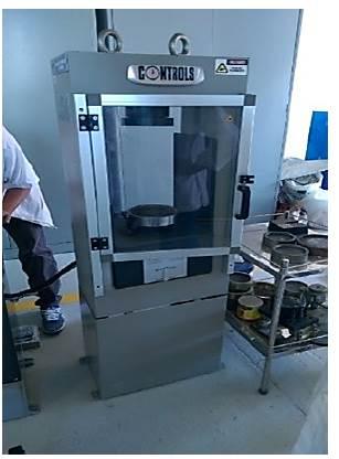 Máquina de compresión marca Controls modelo 04700/er