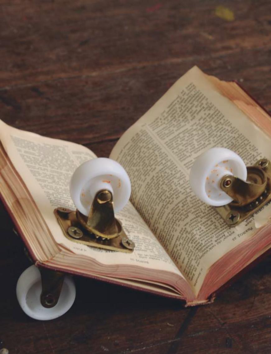 Biblia en Tz'utujil. Benvenuto Chavajay, 2014