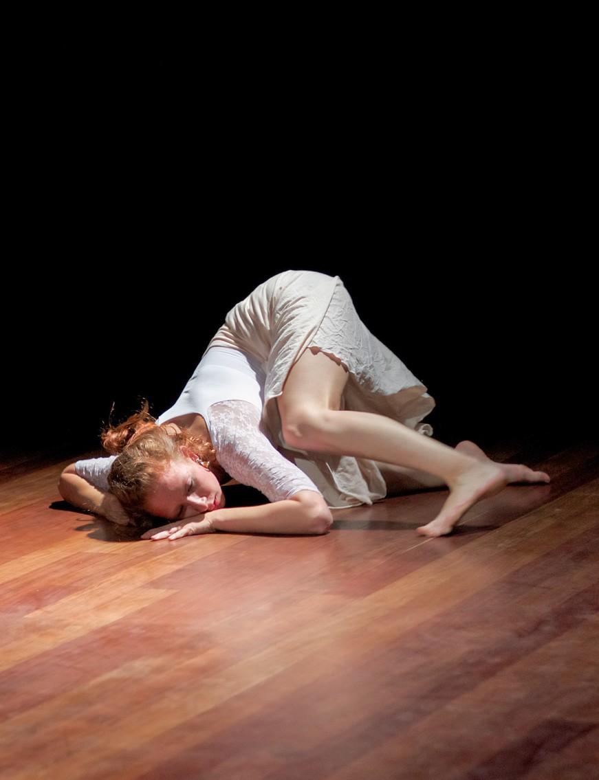 Ánima Danza IV año, énfasis interpretación (2012). Facultad de Artes ASAB.