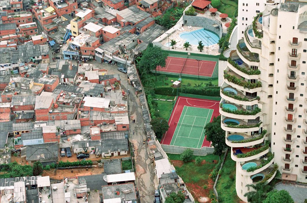 Figure 5. Paraisópolis. (Vieira, 2004). Courtesy of the artist.