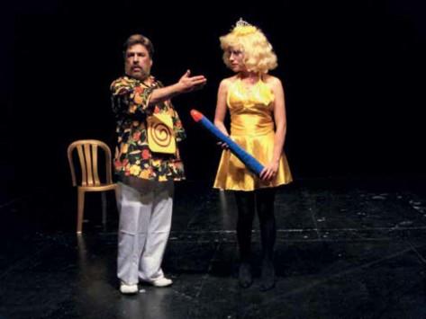 Ubú Dictador. Dramaturgia y Dirección: Epifanio Arévalo 2009. Fotografía: Camila Assad.