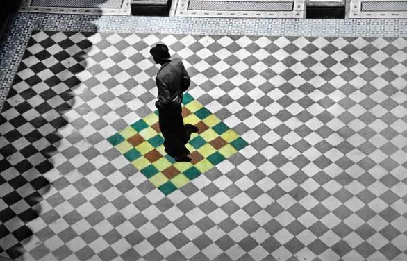 Arriba y abajo: Fernell Franco, Interior (1985)