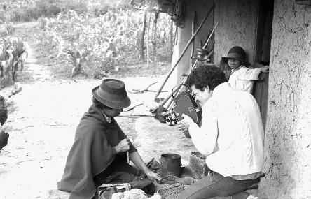 Jorge Silva en el rodaje de Campesinos (1970-1975).