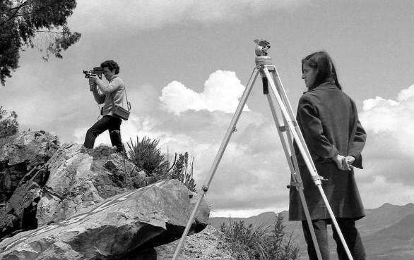 Marta Rodríguez y Jorge Silva en el rodaje de Campesinos (1970-1975).