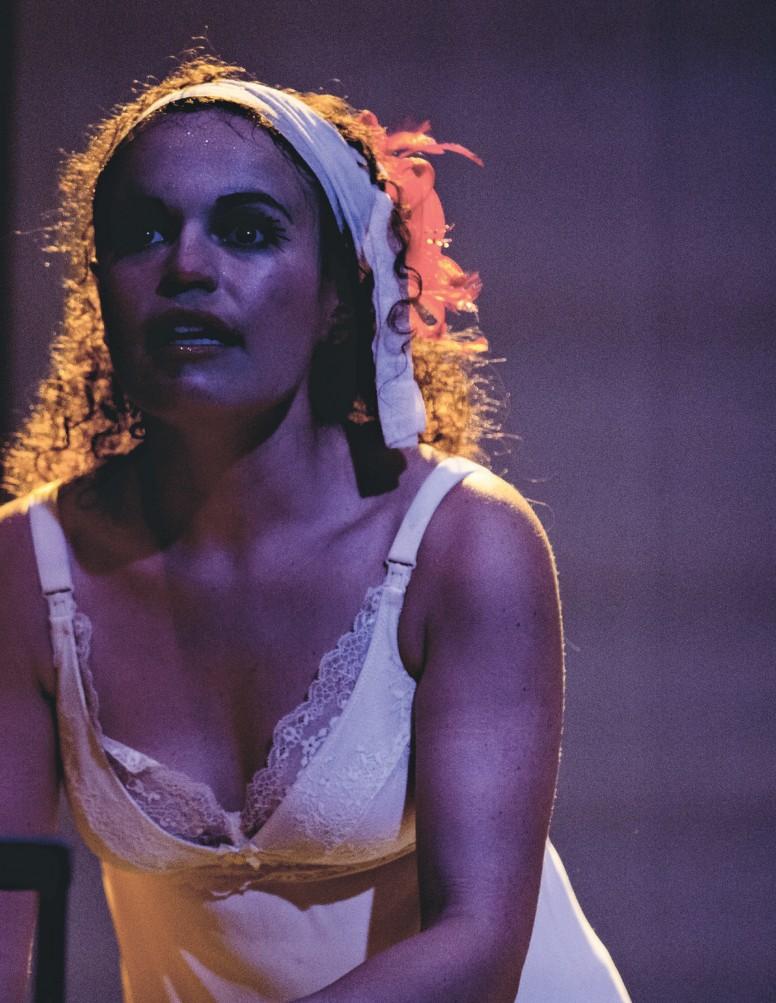 Imagen 8. En Candy Land, tierra de lobos, del Teatro de la Memoria (2018). Fotografía: cortesía de Juan Antonio Monsalve.