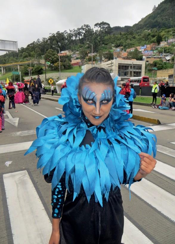Imagen 12. Comparsera, en desfile de comparsas, Bogotá, (12 de junio de 2018). Fotografía: Marcos González Pérez