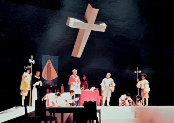 La obra de teatro Los agravios de su ilustrísima se estrenó en junio de 1992 en el Teatro de la Ciudad en Tuxtla Gutiérrez Chiapas Fotografía Cortesía de Héctor Cortés Mandujano